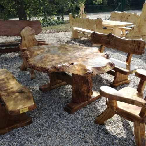 Rustikale Tische, Stühle, Bänke aus Holz