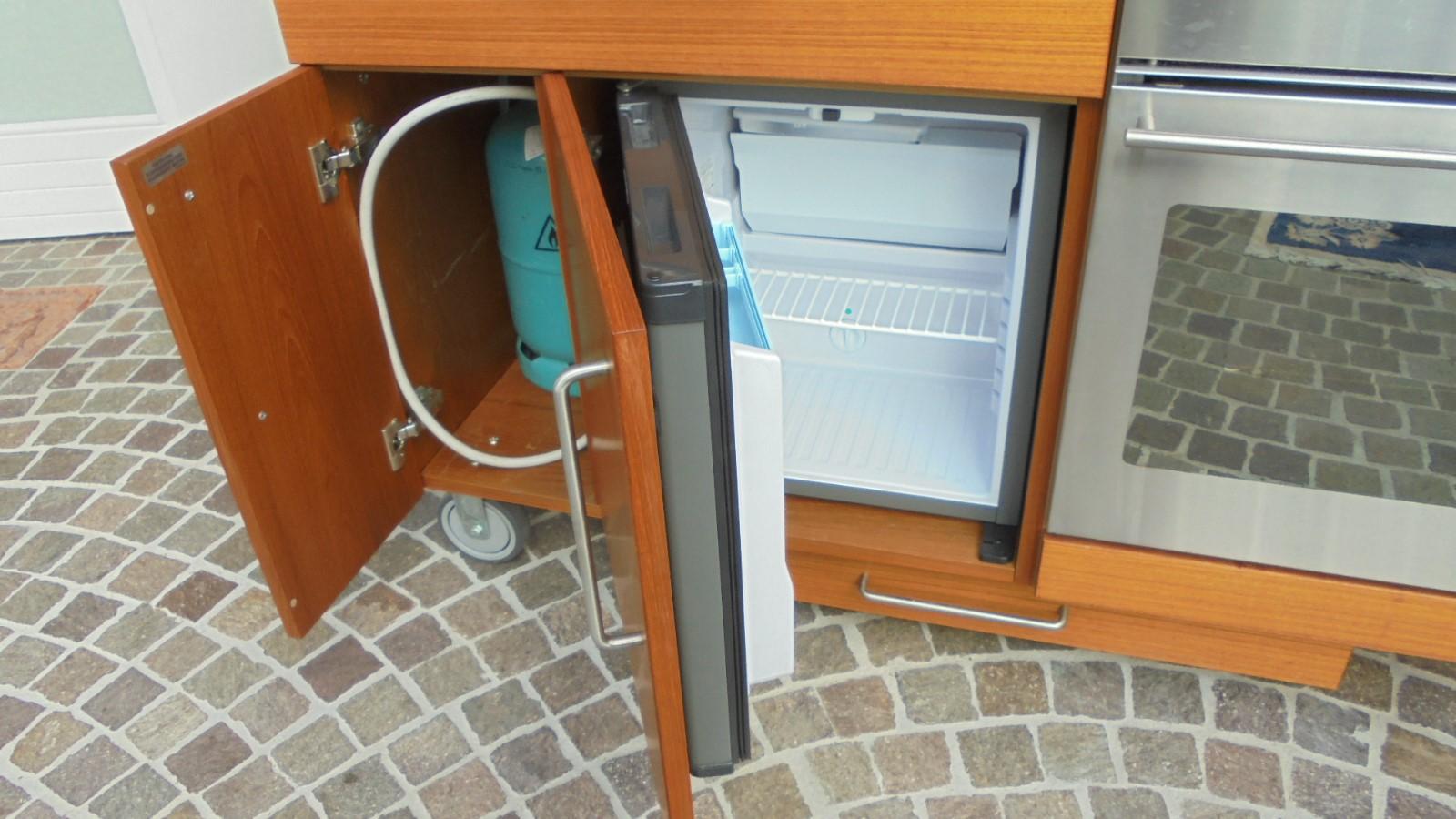 Outdoor Küche Utensilien : Außenküche kulinarische köstlichkeiten in der außenküche zubereiten