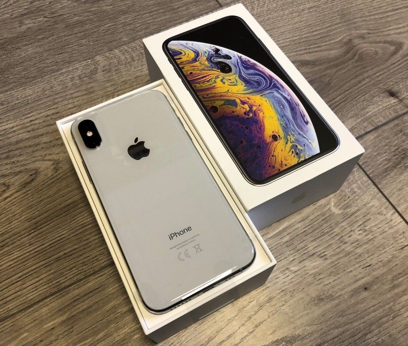 Silver Iphone XSe