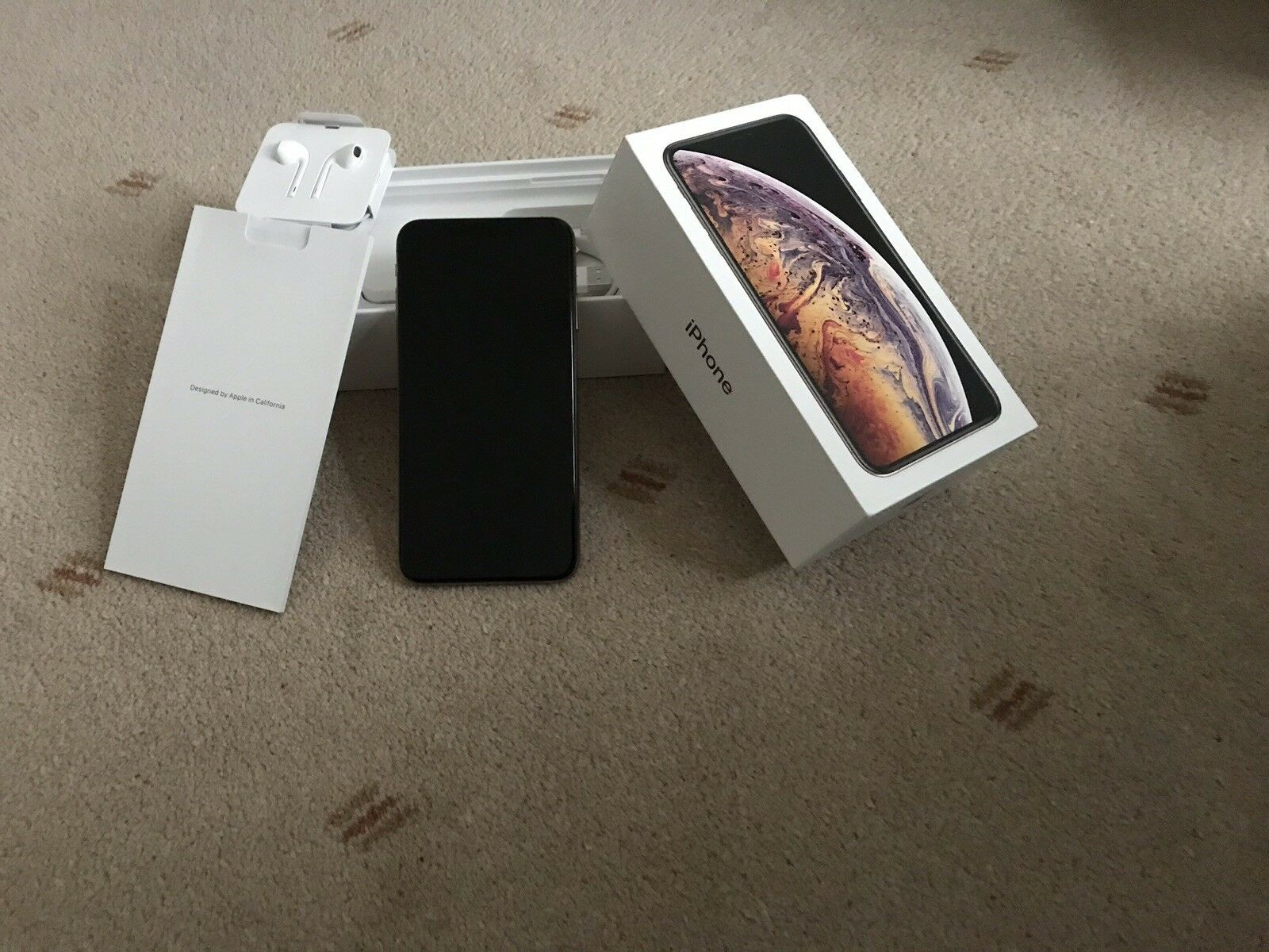 Apple iPhone-XS-Max-64GB-Gold